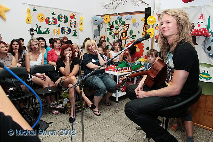 http://www.musicweb.cz/media/k2/galleries/1051/03_Miro_Smajda_Leto_plne_hvezd_31_07_2012.jpg