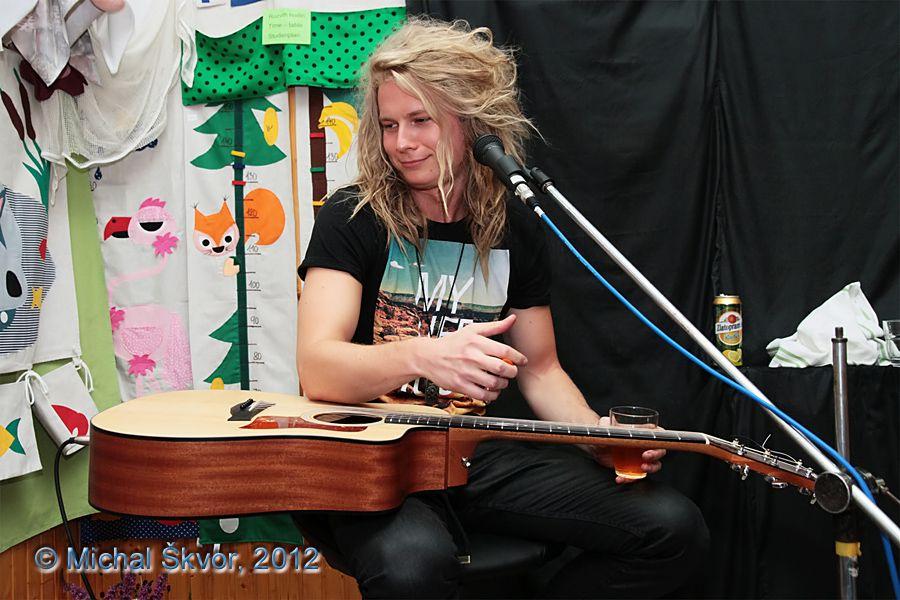 http://www.musicweb.cz/media/k2/galleries/1051/07_Miro_Smajda_Leto_plne_hvezd_31_07_2012.jpg