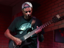 Tony MacAlpine, Bounty Rock Cafe, Olomouc