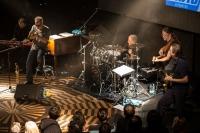 Steve Gadd a jeho kapela nadchli pražský Lucerna Music Bar