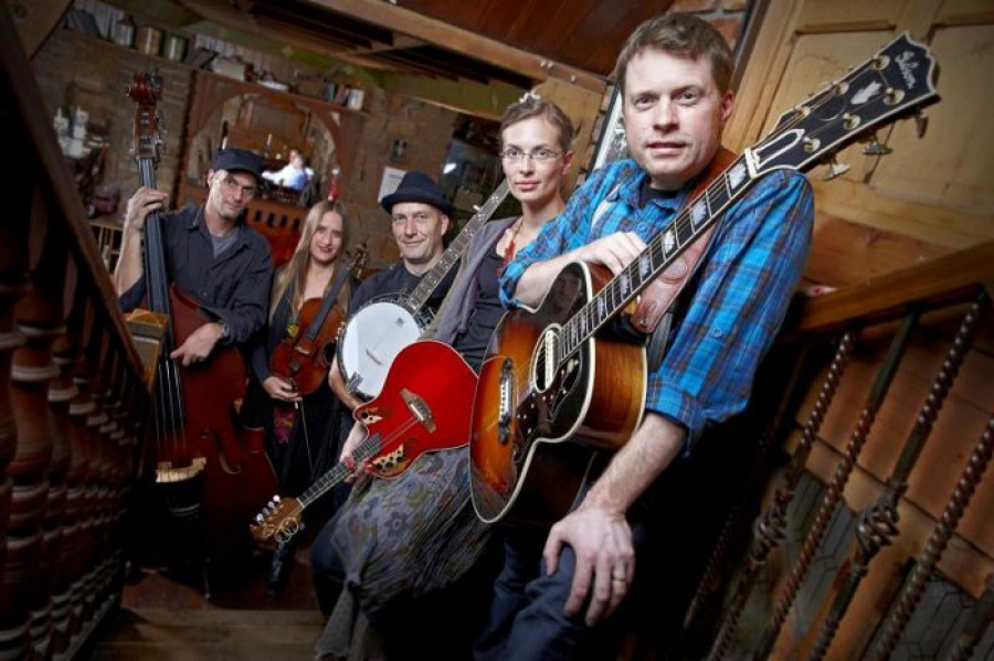 Jimmy Kelly & Folk Band