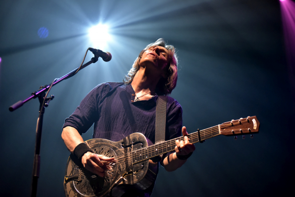 Foto: The Dire Straits Experience, Lucerna, 17. 2. 2018
