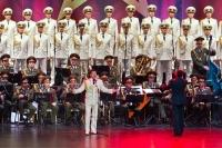 Potlesk vestoje - koncert Alexandrovců nabídl velkolepou taneční i pěveckou show